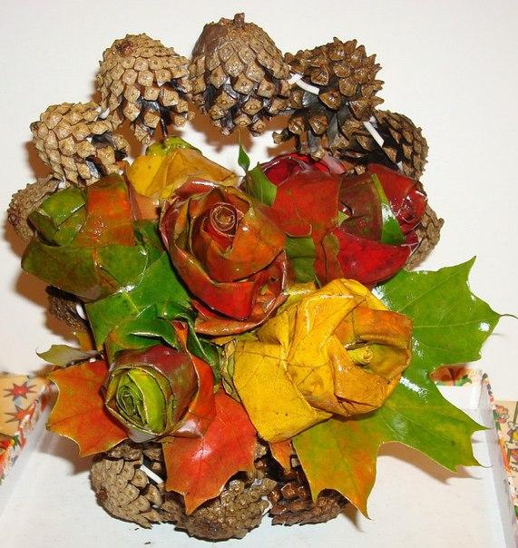 Поделки из шишек и листьев 3